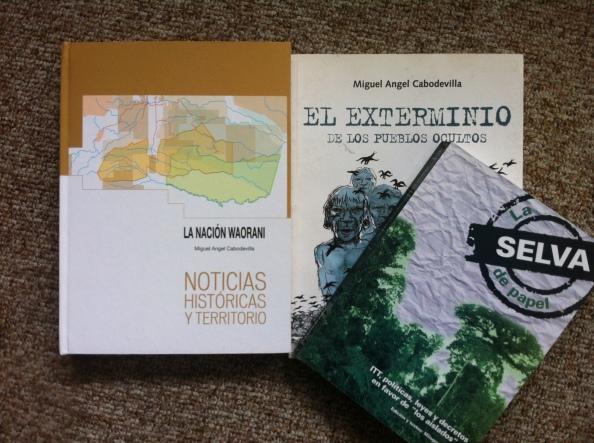 Libros de Miguel Angel Cabodevilla y Milagros Aguirre, documentan detalladamente cómo autoridades de Estado históricamente se han hecho de la vista gorda ante presencia taromenani.